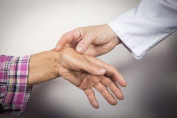10 φυσικοί τρόποι που θα σας ανακουφίσουν από τη ρευματοειδή αρθρίτιδα