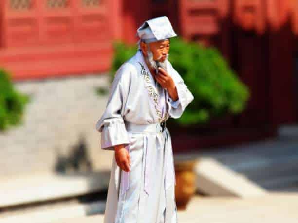 Ο 256 ετών κινέζος βοτανολόγος και οι 15 συμπεριφορές που προκαλούν ασθένειες