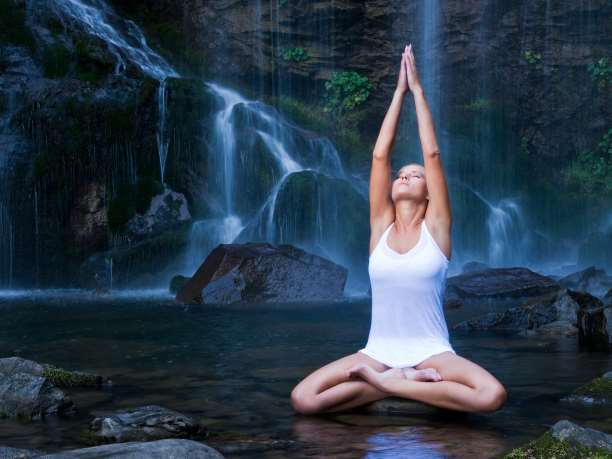 http://enallaktikidrasi.com/2017/01/aisthimata-panikou-diaxeirisi-meso-yoga-cbt-techniques/