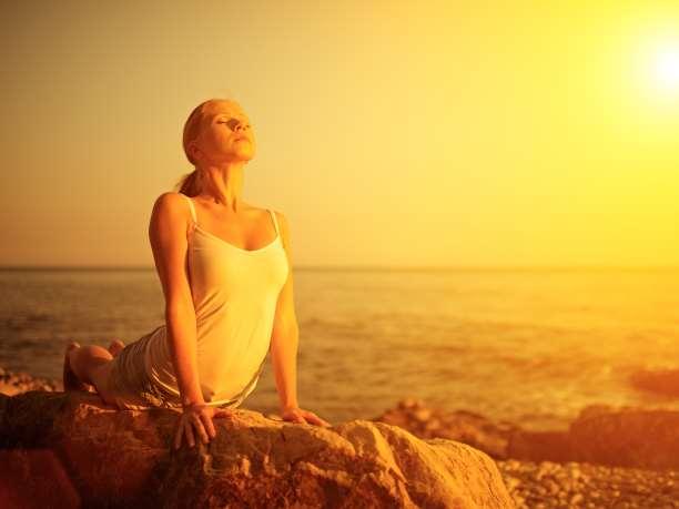 http://enallaktikidrasi.com/2016/12/yoga-enisxyei-anosopoihtiko-sistima/