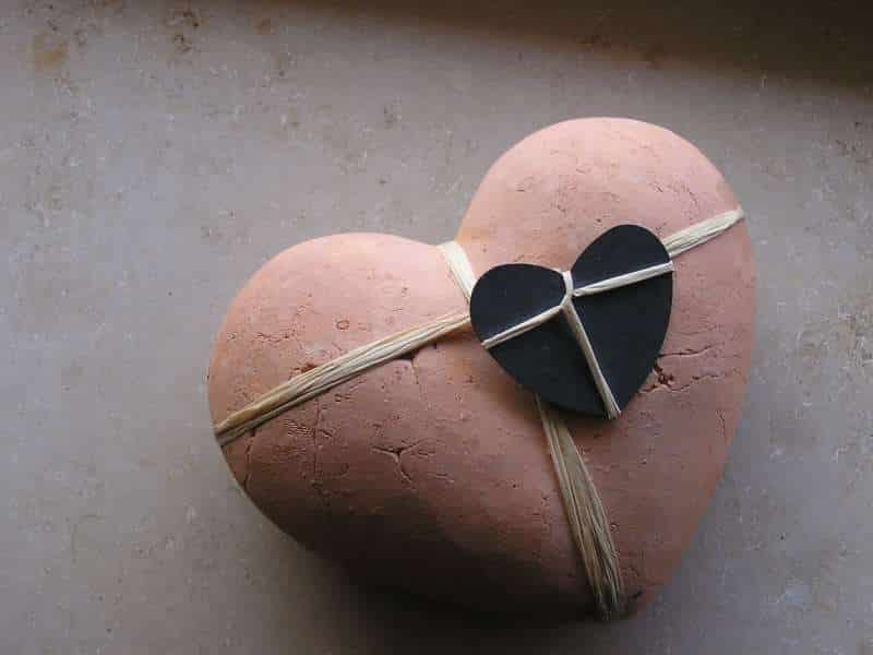 Καρδιά από πηλό, από τη Τάμι Γκεκτσιάν