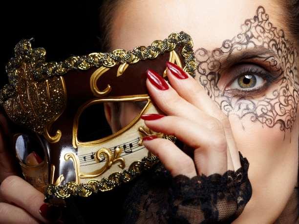 http://enallaktikidrasi.com/2016/10/otan-maskes-pesoun-tote-ti/