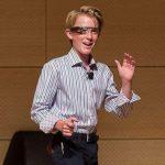 13χρονος φυσικός μιλάει για τον Θεό, τον Τέσλα και τα παράλληλα σύμπαντα (βίντεο)