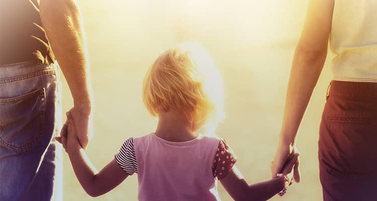Είμαστε το παράδειγμα που θα θέλαμε τα παιδιά μας να έχουν;