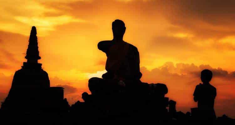 Παραμαχάνσα Γιογκανάντα: Βρίσκομαι παντού… Βλέπω μέσα από τα μάτια όλων (διαλογισμός)
