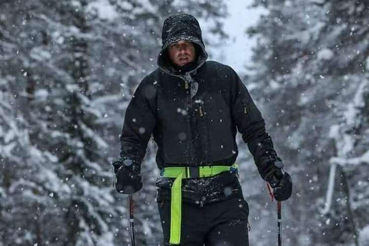 Ο Μάριος Γιαννάκου, αρθρογράφος της Εναλλακτικής Δράσης τερματίζει αγώνα 150 χιλιομέτρων στην Αρκτική με τα πόδια