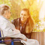 Πώς μπορείτε να απαντήσετε σε έναν ηλικιωμένο με άνοια όταν σας λέει ότι θέλει να πάει στο σπίτι του