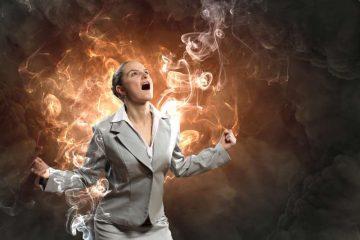 """Εικόνα μιας θυμωμένης γυναίκα για το αρθρο της Βίκυς Τσώκου """"Το τίμημα που πληρώνω όταν θυμώνω..."""""""