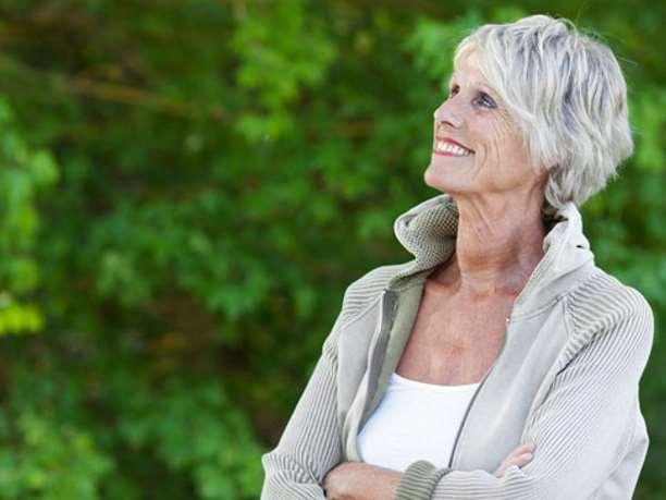 ηλικιωμένη γυναίκα συναισθήματα