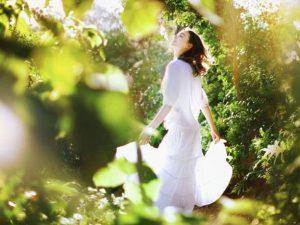 γυναίκα δάσος  συναισθήματα