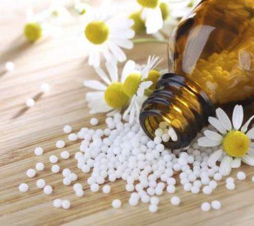 Ομοιοπαθητική: Τι είναι, πως λειτουργεί, πως θεραπεύει και ποιες είναι οι παρενέργειές της