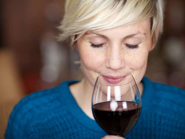 Κόκινο κρασί για καλή καρδιαγγειακή υγεία; Η ανατροπή ενός μύθου
