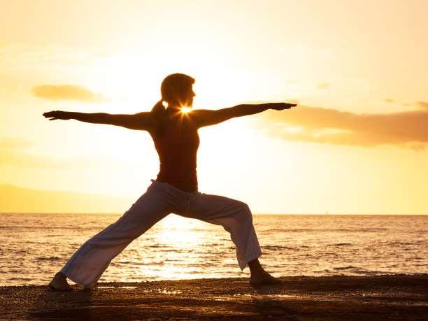 https://enallaktikidrasi.com/2017/01/aisthimata-panikou-diaxeirisi-meso-yoga-cbt-techniques/