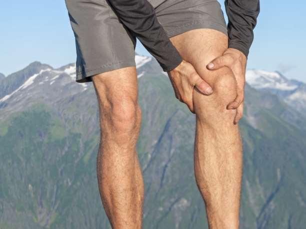 Υγρό στο γόνατο από τραυματισμό; Μια επάλειψη με αυγό θα σας σώσει!