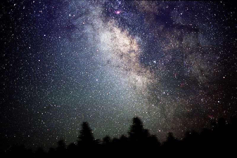 Διονύσης Σιμόπουλος: Γιατί υπάρχει η νύχτα;