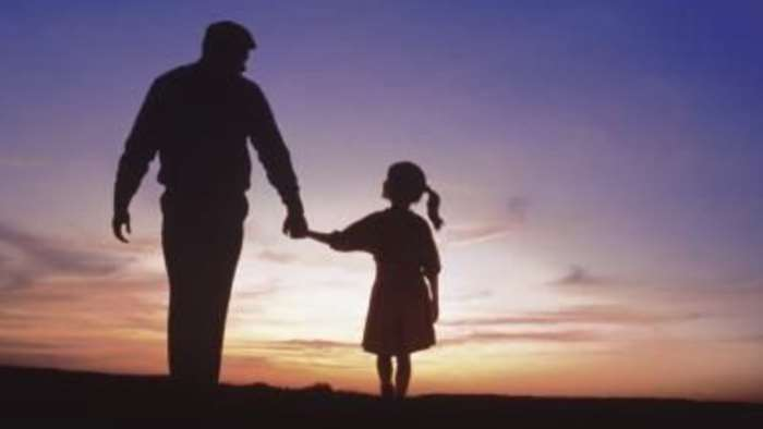 Κράτησέ με, μπαμπά…