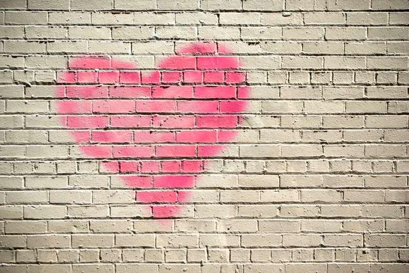 Φωτογραφία για του άρθρο του Θοδωρή Γιαννόπουλου με θέμα την αγάπη και το μάθημά της στον άνθρωπο