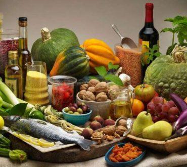 Dr Δημήτρης Τσουκαλάς Ο μύθος καταρρίπτεται: Τα υγιεινά λιπαρά της μεσογειακής διατροφής δεν παχαίνουν