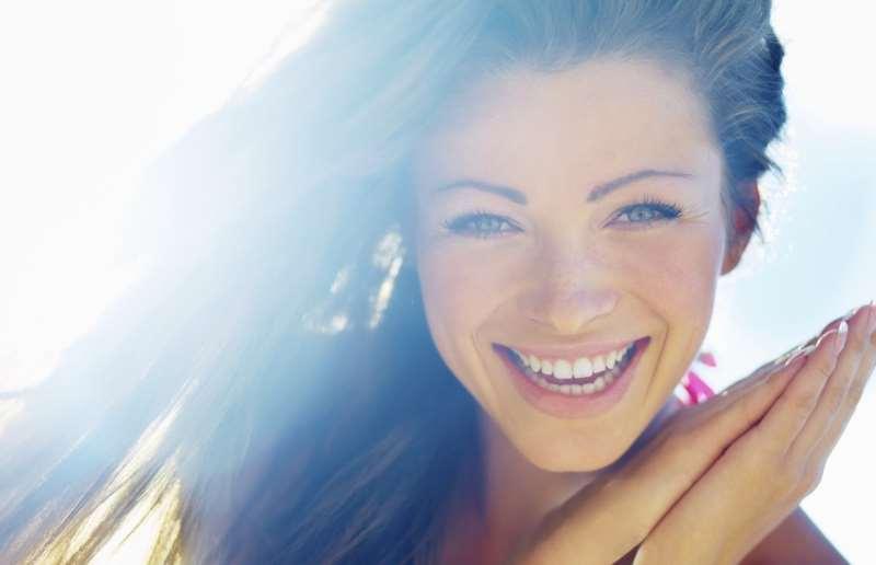 Πώς να νιώθετε πιο ευχαριστημένοι με τη ζωή σας με 3 απλά βήματα