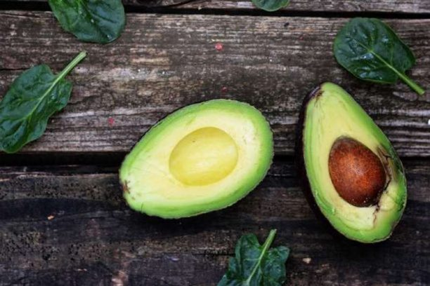 9 βασικές τροφές που περιέχουν υγιεινά λιπαρά