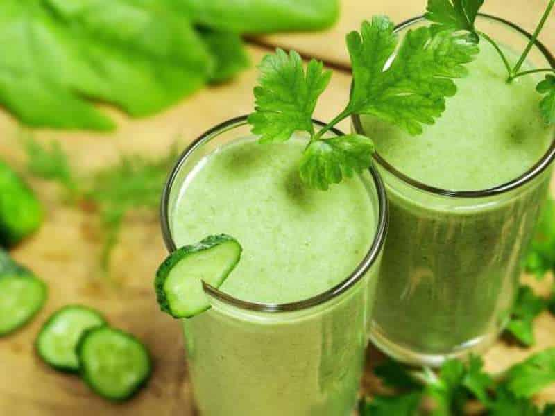 2 θεραπευτικά ροφήματα για να μειώσετε τη φλεγμονή στο σώμα σας