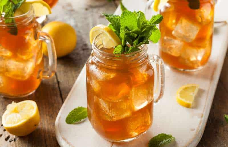 Δροσιστικά ποτά για να διατηρηθείτε ενυδατωμένοι το καλοκαίρι