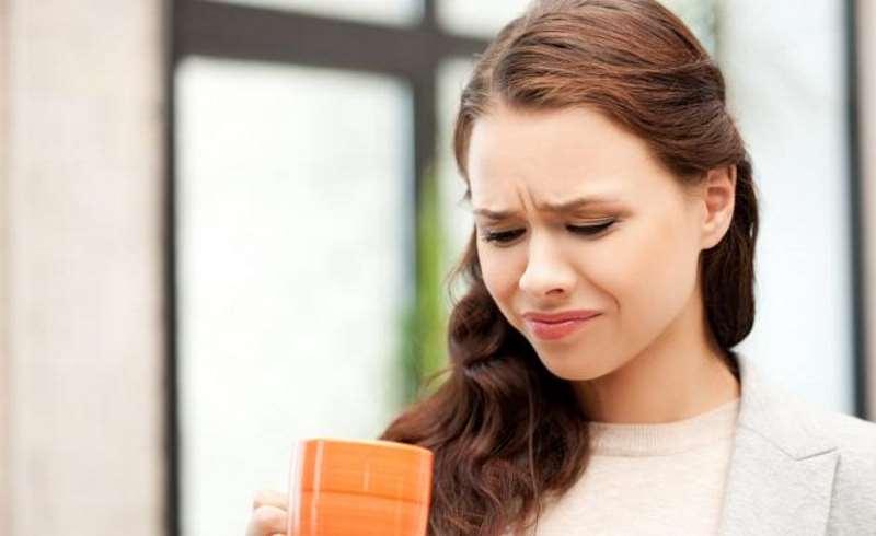 Αίσθηση πικρίλας στο στόμα: Τα αίτια και τρόποι αντιμετώπισης