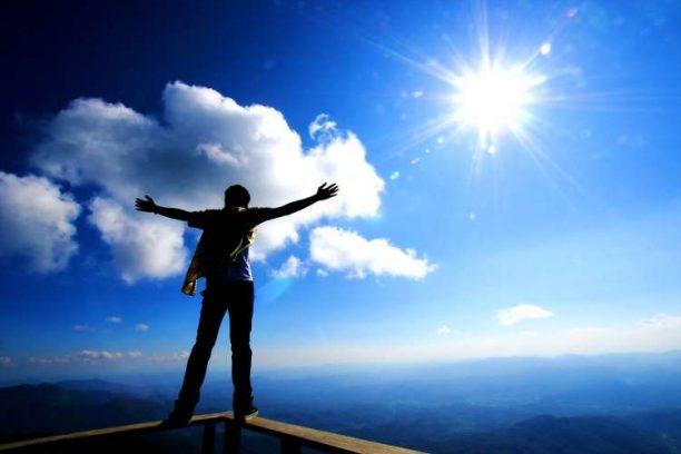 Η απόλυτη πρωινή «ρουτίνα» για να ξεκινήσετε τη μέρα σας ανανεωμένοι και γεμάτοι ενέργεια