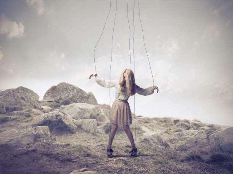 Είστε σίγουροι πως κινείτε τα νήματα στη ζωή σας;