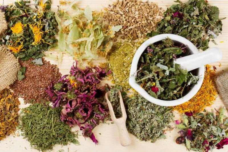 Συνταγή: Αφέψημα από βότανα για αποτοξίνωση και αδυνάτισμα