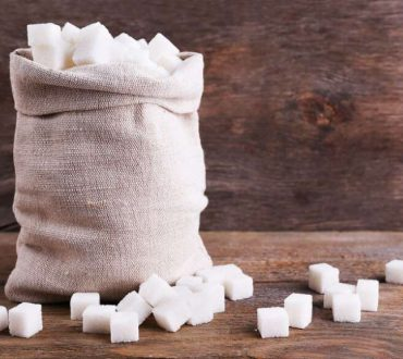Η ζάχαρη προκαλεί στον εγκέφαλο τις ίδιες βλάβες με την κακοποίηση και το στρες