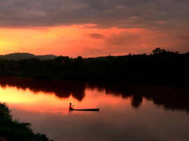 Η ζωή μοιάζει με τη ροή ενός ποταμού...