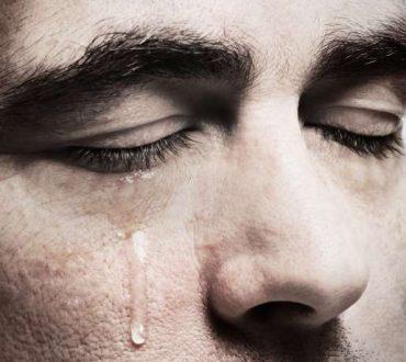 Πώς το κλάμα σας κάνει συναισθηματικά πιο δυνατούς