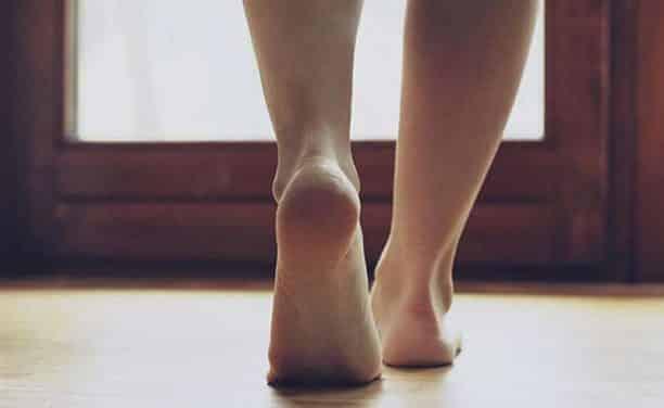 Πόδια που καίνε: Ένα συχνό σύμπτωμα που χρήζει διερεύνησης