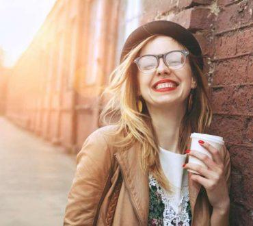 Η τέχνη του να νιώθει κανείς ευτυχισμένος μόνος του