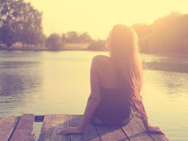 Ο χρόνος που περνάμε μόνοι μας είναι το σπουδαιότερο δώρο για τον εαυτό μας