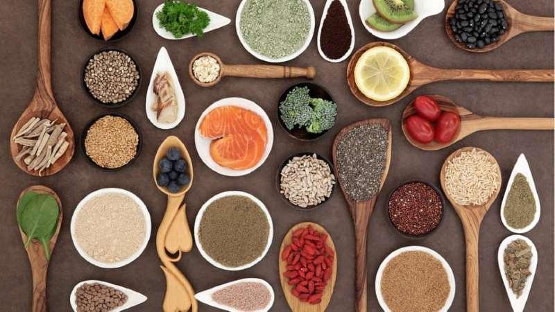 15 υπερτροφές που αξίζει να εντάξετε στη διατροφή σας