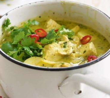Συνταγή: Πράσινο κάρυ με κοτόπουλο και ρύζι basmati