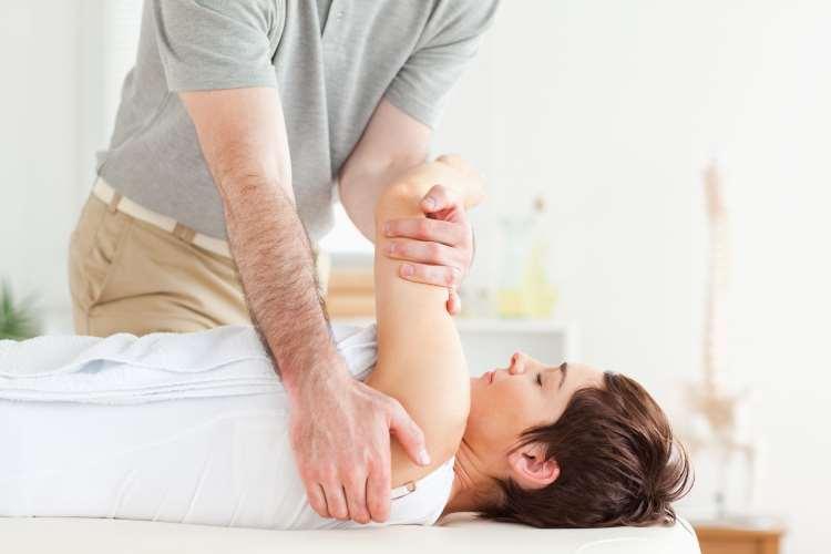 Χειροπρακτική: Η δύναμή της δίνει στο σώμα δύναμη να θεραπεύεται
