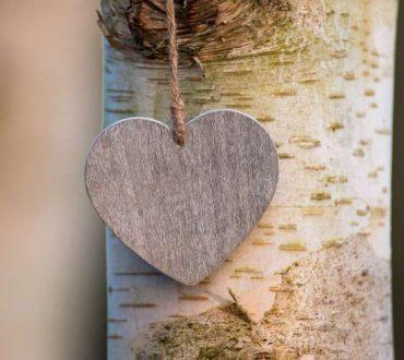 Αγάπη είναι η αλήθεια σου!