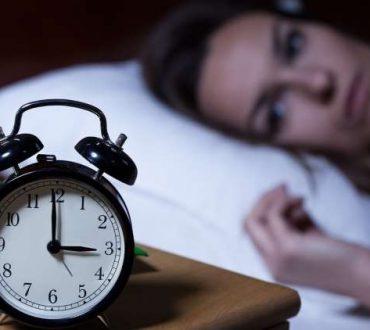 Αϋπνία: Οι «κακές συνήθειες» που την προκαλούν