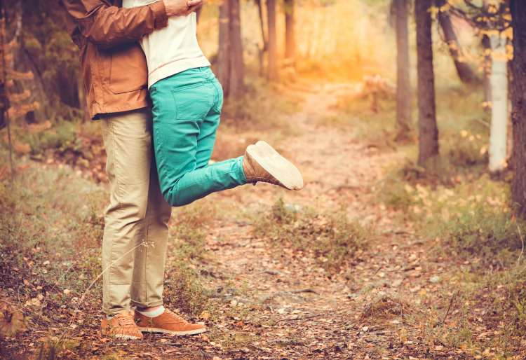 Η χημεία του έρωτα: Οι ορμόνες και οι νευροδιαβιβαστές που δημιουργούν τα συναισθήματα