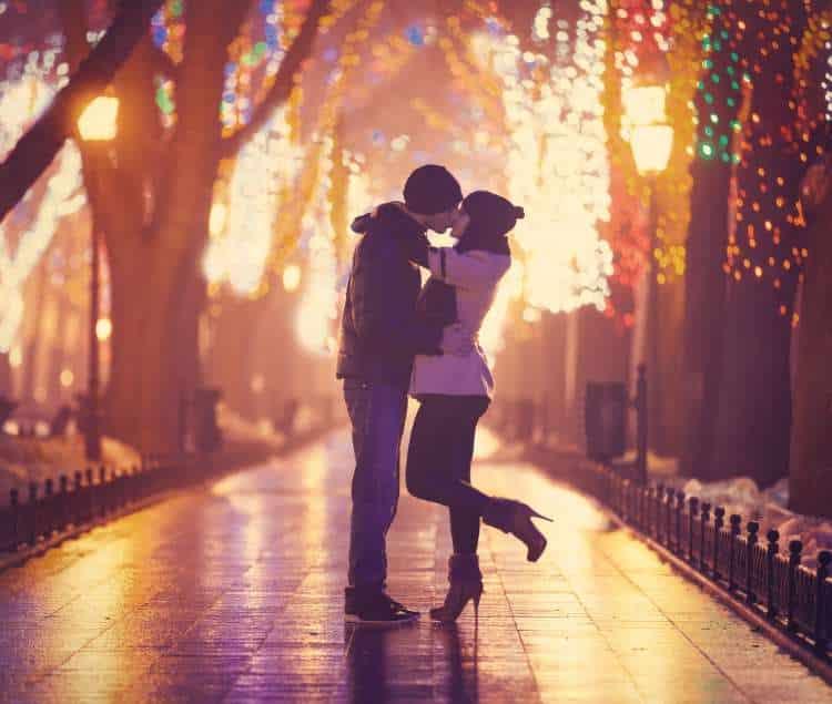 Κική Δημουλά: Ο έρωτας είναι σαφέστερος και ειλικρινέστερος από την αγάπη