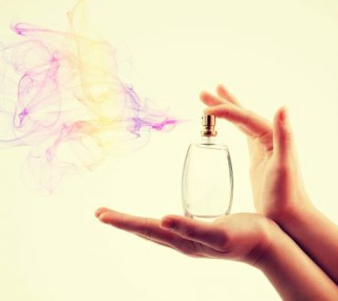 ΑΝΑΚΑΤΑΣΚΕΥΗ Φτιάξτε το προσωπικό σας σπιτικό, χειροποίητο άρωμα με φυσικά και αγνά υλικά