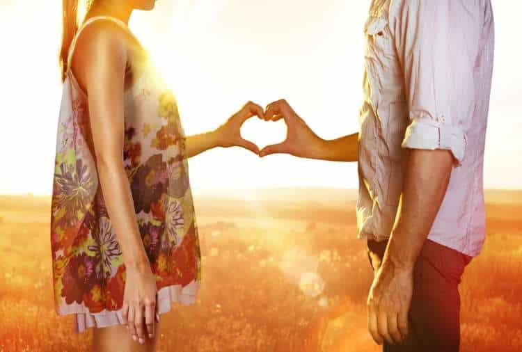 Την αγάπη δεν τη δίνεις, τη δείχνεις!