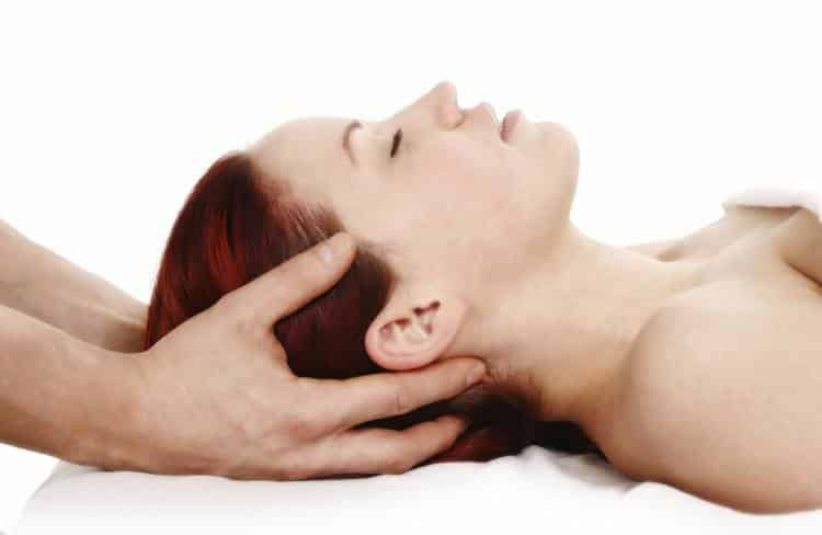 Κρανιοϊερή θεραπεία: Τι είναι, πως εφαρμόζεται, που βοηθάει;