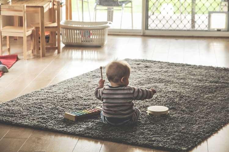 Το πώς μιλάμε στα παιδιά μας γίνεται η εσωτερική τους φωνή