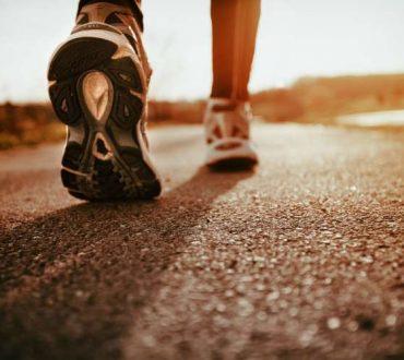 Πώς το περπάτημα μπορεί να βοηθήσει όσους πάσχουν από διαβήτη;