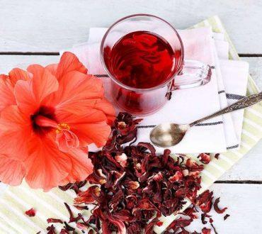 Τσάι ιβίσκου: 8 εκπληκτικά οφέλη του στην υγεία μας