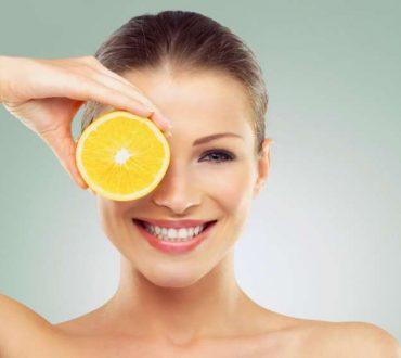 7 τροφές για υγιή και λαμπερή επιδερμίδα